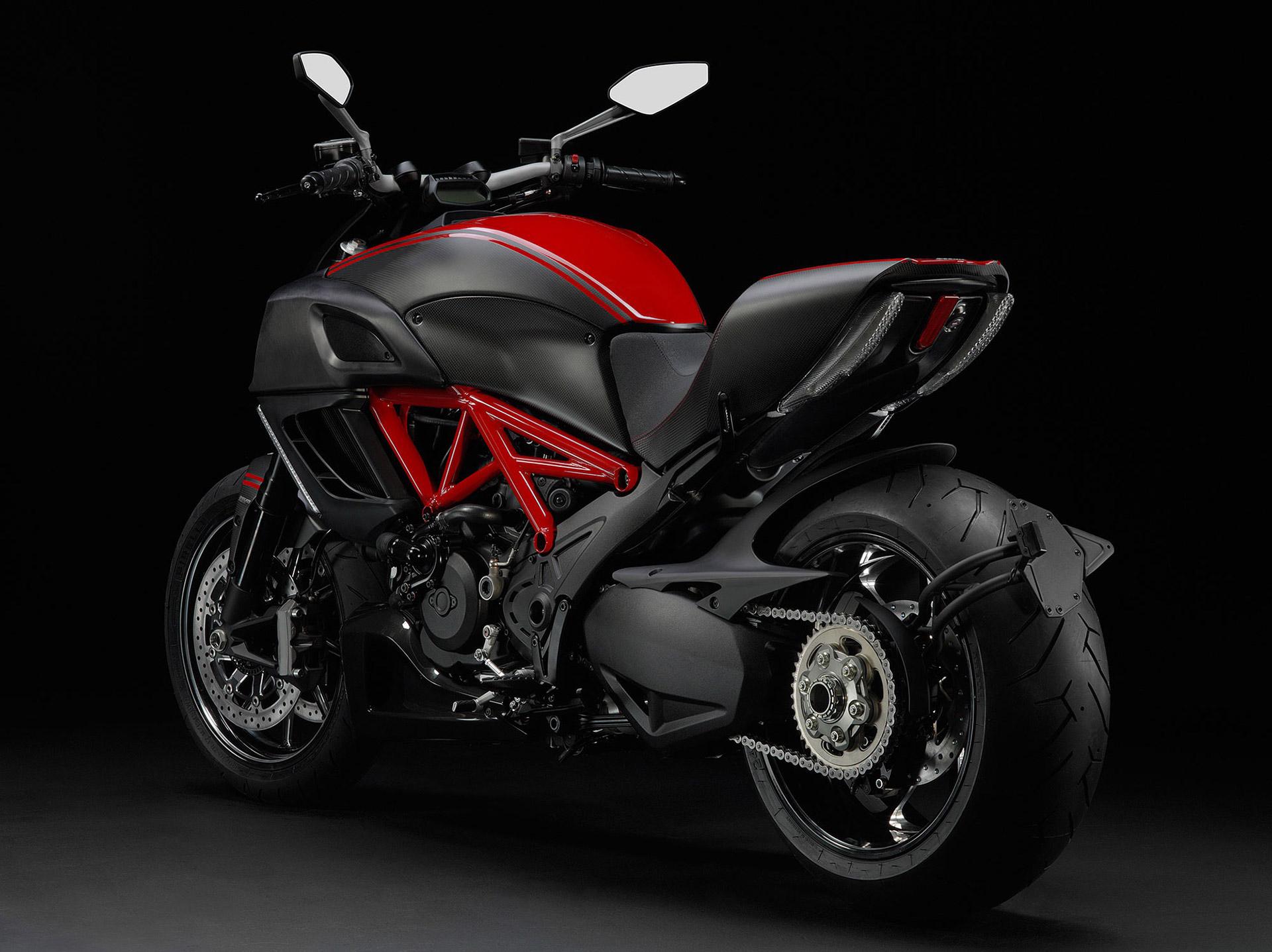 2013 Ducati Diavel Carbon6